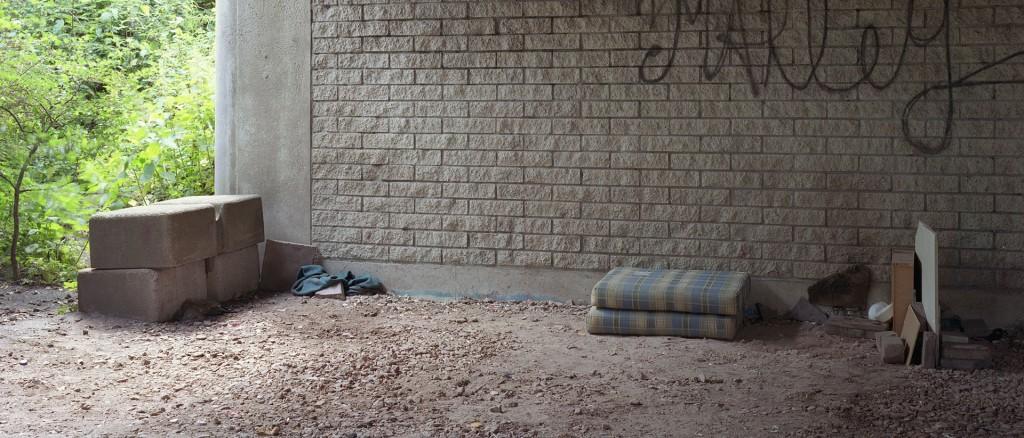 #18 uit het project HuisHome, over de slaap- en schuilplaatsen van daklozen aan de randen van Amsterdam. Foto: Nico Bick