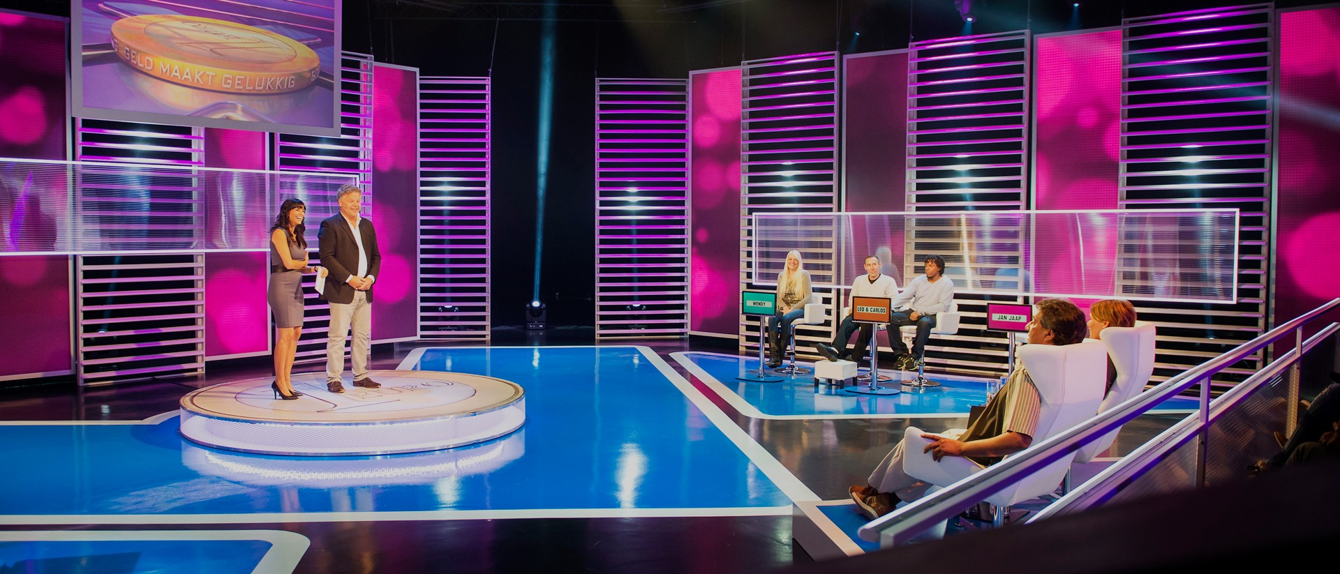Op de set van het SBS6-programma 'Geld maakt gelukkig'. Foto: Remko de Waal/ANP
