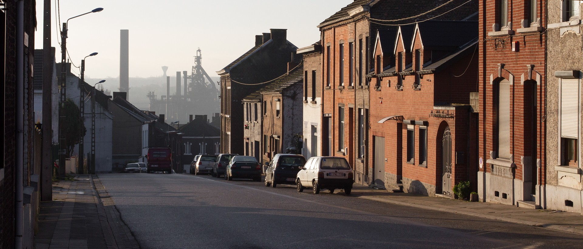 Hoe de lelijkste stad ter wereld van een schrikbeeld in een voorbeeld transformeert - Lamppost huizen van de wereld ...