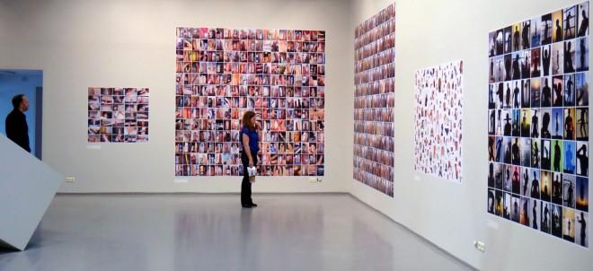 De verzamelingen van Frank Schallmaier op de tentoonstelling 'From Here On' in het Fotomuseum Antwerpen. Foto: Frank Schallmaier
