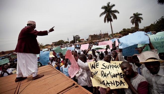 Een demonstratie tegen homoseksuelen, onder leiding van de kerkelijke gemeenschap, in de Oegandese stad Jinja. Foto: Hollandse Hoogte