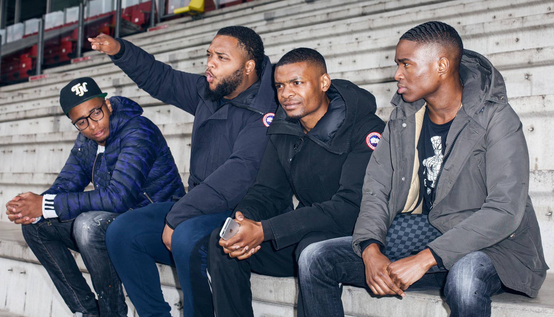 Hoe rapgroep Broederliefde elkaar overeind hield en nu op nummer 1 staat