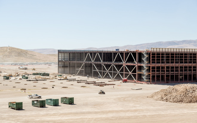 De Tesla-Gigafabriek in aanbouw in Nevada, Amerika. 18 juli 2016. Foto: Jason Henry / The New York Times / Hollandse Hoogte