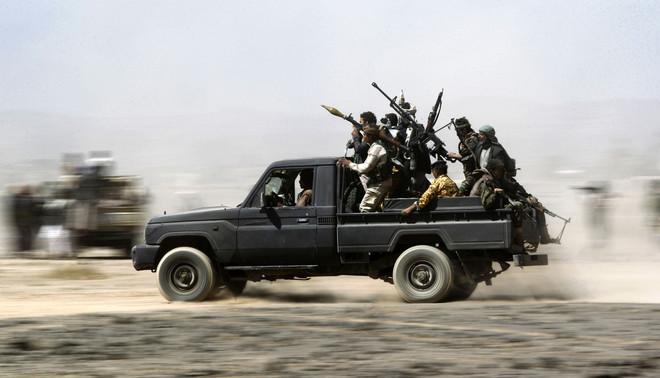 1 november 2016: Leden van de Houthirebellen in gevecht met de Jemenitische regering. Foto: Mohammed Huwais / AFP
