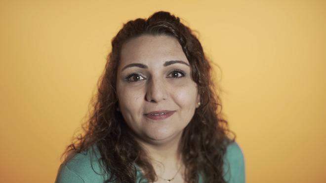 Linda Belal in de video met vijf dingen die Nederlanders moeten weten over hoe vluchtelingen zich voelen.
