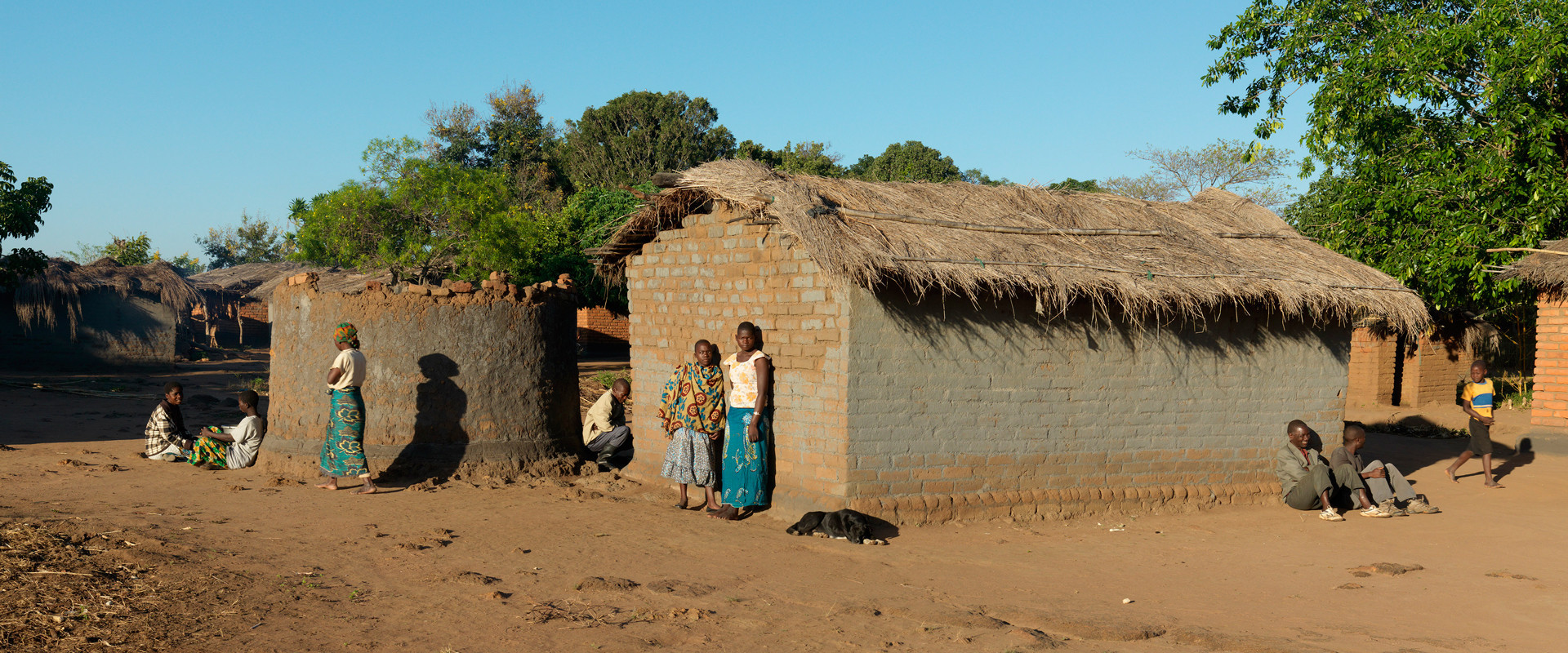 Zo ontsnap je aan armoede in het armste land ter wereld - Kroonluchter pampille huis van de wereld ...