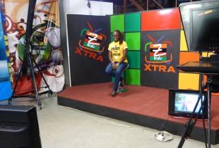 De studio van Z Kids, met presentatrice Siphiwe Mphanza. Foto: Maite Vermeulen