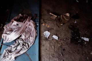 Verlaten vluchtelingententen in Mopti. Omdat sommige delen van Mali veiliger zijn de laatste tijd, zijn veel vluchtelingen teruggekeerd naar huis. Foto: Andreas Stahl