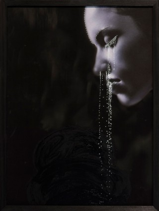 'Tears on profile'. Foto: Daniele Buetti / courtesy of the artist and Aeroplastics contemporary, Brussels