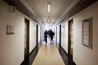 De gangen waar UN OCHA werkt in het Palais des Nations in Genève. Foto: Pieter van den Boogert