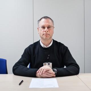 Bart Materne van het Emergency Response Coordination Centre van de Europese Unie, in Brussel. Foto: Pieter van den Boogert (voor De Correspondent)