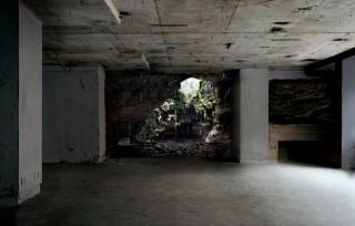 'Warren' (2011) uit de fotoserie 'Haven Her Body Was' van Noémie Goudal. Foto: Courtesy Noémie Goudal