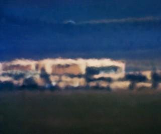 'Open Hangar; Cactus Flats, NV; Distance ~ 18 miles; 10:04 am, 2007'. Foto: Trevor Paglen/Courtesy of the artist; Metro Pictures, New York; Altman Spiegel, San Francisco; Galerie Thomas Zander, Keulen.