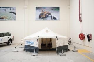 Een tent van UNHCR, opgezet ter demonstratie. Foto: Pieter van den Boogert