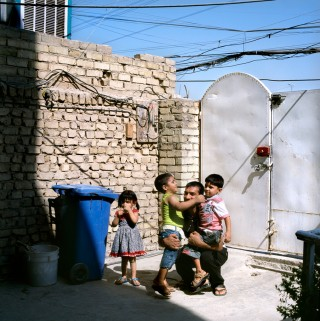2011: Ali woont net buiten Bagdads sloppenwijk Sadr City. Hij vecht voor de Mehdi-milities van de sjiitische Moqtada al-Sadr. Foto: Marieke van der Velden