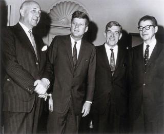 Eurocommissaris Sicco Mansholt op bezoek bij John F. Kennedy, 1963. Foto: Internationaal Instituut voor Sociale Geschiedenis