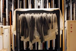 Kleding van Viktor & Rolf uit de verzameling van Han Nefkens en in langdurig bruikleen bij het Boijmans Van Beuningen. Foto: Daniëlle van Ark