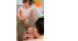 Deze foto is op verzoek van de fotograaf verwijderd. De foto toonde twee kinderen en een vader in bad.