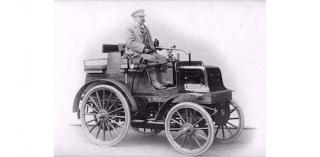 Een Daimler uit 1898, zo sterk als vier paarden