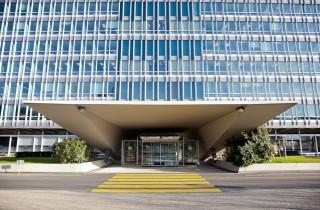 Hoofdkantoor van de World Health Organization (WHO) in Genève. De WHO is de leider van het gezondheidscluster voor noodhulp. Foto: Pieter van den Boogert