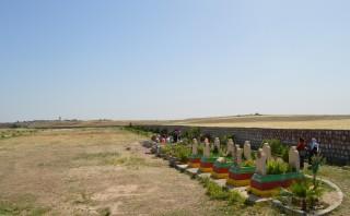 De speciale martelaarsbegraafplaats in het grensstadje Nusaybin (Turkije). Foto: Tan Tunali