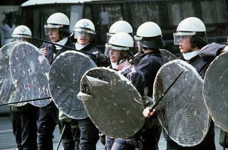 30 april 1980: Onrust tijdens Koninginnedag in Amsterdam. Foto: Hollandse Hoogte