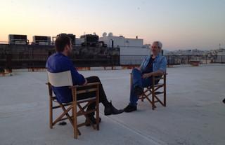Lucas De Man (links) in gesprek met documentairemaker Nikolaos Stampoulopoulos (rechts). Foto: Pepijn Robben