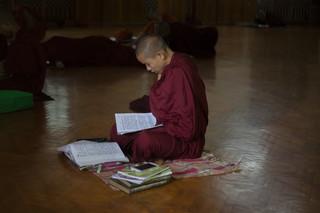Een studerende monnik in het Ma Soe Yane-klooster. Foto: Andreas Stahl