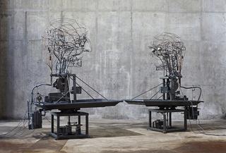 Beeld: The Mechanical Turks 2015. Atelier van Lieshout