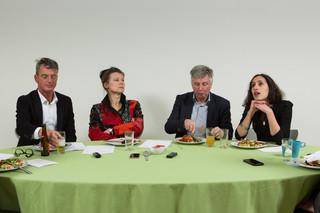 v.l.n.r. Jeroen de Haas, Marjan Minnesma, Jan Paul van Soest en Faiza Oulahsen. Foto: Heidi de Gier (voor De Correspondent)
