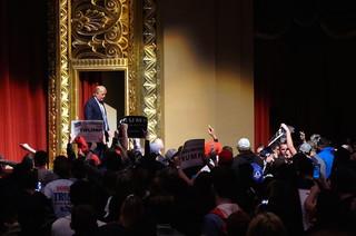Trump in St. Louis. Foto's Arjen van Veelen
