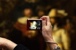 Uit het fotoboek 'Between Screens'. © Simone Mudde en Olivier van Breugel