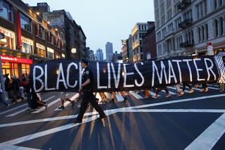 Politieagenten tijdens een demonstratie van de beweging Black Lives Matter in New York op 8 juli 2016. Foto: Kena Betancur / AFP