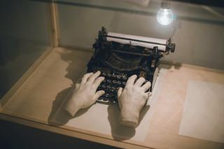 Beeld uit de tentoonstelling over schrijfmachines van het MMOMA, Polytechnic Museum en Literature Museum.