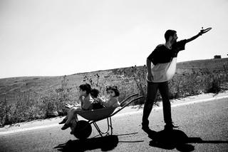 Burgers vluchten weg uit verwoeste dorpen in Lebanon, 2006. Foto: Paolo Pellegrin / Magnum Photos