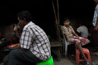Op de markt in de wijk Aung Mingalar in de West-Birmese stad Sittwe. Foto: Andreas Stahl