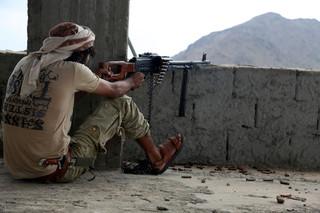 11 augustus 2016: Aanhangers van de Jemenitische regering in strijd met de Houthirebellen. Foto's: Abdulnassar Alseddik / Getty