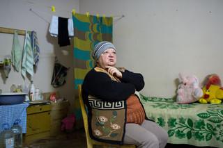 Ljoebov Moroz is gevlucht voor het oorlogsgeweld in Donetsk. Foto: Alexander Chekmenev (voor De Correspondent)