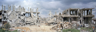 Straat 48 in Kobani. Uit het fotoboek 'Syrian Collateral' van Kai Wiedenhöfer © (2016)