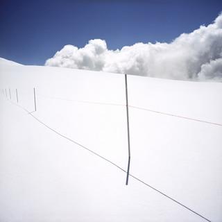 Uit de serie: 'Borderline, Frontiers of Peace', op deze foto: de grens tussen Zwitserland en Italie. Foto: Valerio Vincenzo