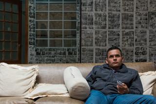 Het dagelijks leven in Bogotá, in een van de hotels waar ex-guerrilleros kunnen samenleven en werken aan hun re-integratie. Foto's: Gabriel Corredor