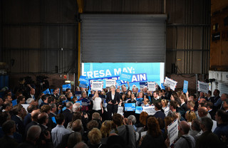 Theresa May (Conservatieven) spreekt in Edinburgh. Foto: Jeff J Mitchell