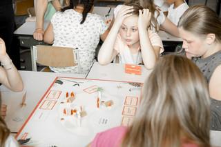 Tijdens de les burgerschap in groep 7 van basisschool De Winde in Nootdorp. Foto: Peter de Krom (voor De Correspondent)