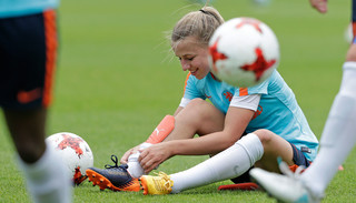 Jackie Groenen tijdens een training van het Nederlands vrouwenelftal op 11 juli, 2017. Foto: Laurens Lindhout / Soccrates / ANP