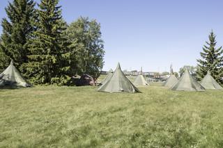 Het tentenkamp tijdens een training van de Estse Defensieliga. Foto: Tomaso Clavarino