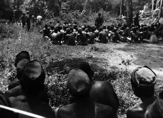In totaal zouden bij de executie in Salomoni ongeveer twintig willekeurig door de commandant aangewezen mannen door middel van een nekschot zijn geëxecuteerd. Foto: Kavelaars.