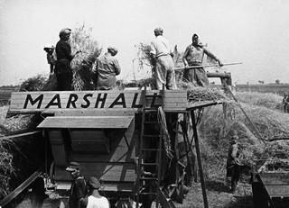 Landbouwmachines waren onderdeel van het Marshallplan voor Oostenrijk. Foto: Imagno / Getty