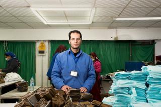 De Syrische Hani Al Jalam werkt sinds begin 2017 in het Al Hassan Industrial Complex. Foto: Alisa Reznick