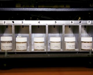 Het geurenpalet dat gekoppeld aan een computer geuren kan verspreiden om scenario's realistischer te laten voelen.