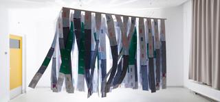 Een installatie van schuldenpost door Sjoerd Knibbeler (voor De Correspondent)